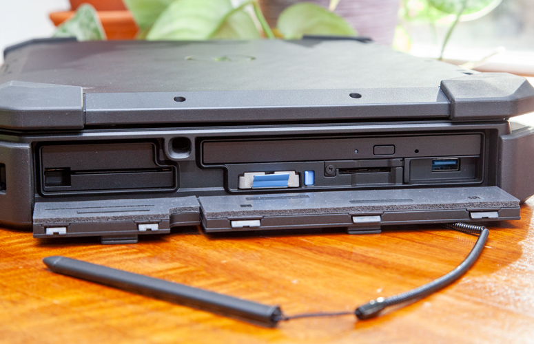 Dell Latitude 7424 Rugged Extreme 6