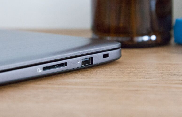 Asus VivoBook E403NA Review: Ultraportable Value to Beat 5