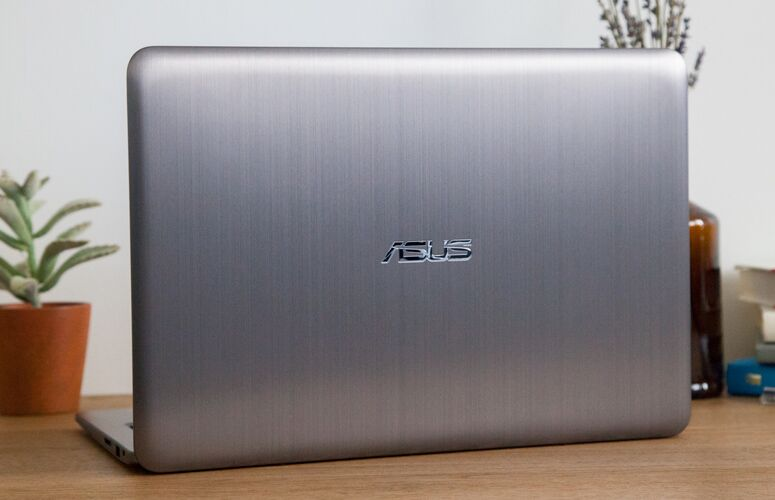 Asus VivoBook E403NA Review: Ultraportable Value to Beat 9