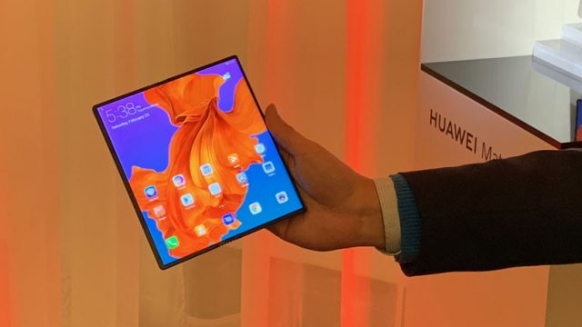 """633956-huawei-mate-x-plegable-phone """"width ="""" 640 """"height ="""" 360 """"srcset ="""" https://www.extremetech.com/wp-content/uploads/2019/02/633956-huawei-mate -x-plegable-phone-640x360.jpg 640w, https://www.extremetech.com/wp-content/uploads/2019/02/633956-huawei-mate-x-foldable-phone-300x169.jpg 300w, https : //www.extremetech.com/wp-content/uploads/2019/02/633956-huawei-mate-x-foldable-phone-768x432.jpg 768w, https://www.extremetech.com/wp-content/ uploads / 2019/02/633956-huawei-mate-x-plegable-phone-223x126.jpg 223w, https://www.extremetech.com/wp-content/uploads/2019/02/633956-huawei-mate-x -foldable-phone-106x59.jpg 106w, https://www.extremetech.com/wp-content/uploads/2019/02/633956-huawei-mate-x-foldable-phone-348x196.jpg 348w, https: / /www.extremetech.com/wp-content/uploads/2019/02/633956-huawei-mate-x-foldable-phone.jpg 810w """"tamaños ="""" (ancho máximo: 640px) 100vw, 640px """"/>  <p id="""